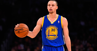 Curry Has Head Contusion Following Hard Fall, Returns To Game