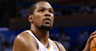 Kevin Durant Undergoes Bone Graft Surgery On Foot