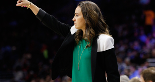 Becky Hammon Turns Down Florida Job To Stay With Spurs