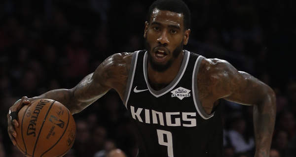 Kings send Iman Shumpert to Rockets in 3-team trade with Cavs