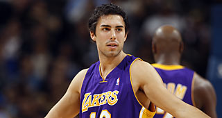 9a646ebaf The Los Angeles Clippers will sign Sasha Vujacic to a 10-day contract